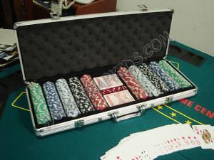 Maletin con fichas de casino